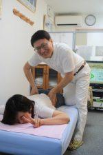 腰治療の様子
